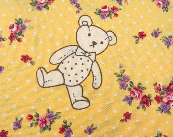 2643E -- Cute Bear Fabric with Wreath in Yellow Color, Animal , Flower, Wreath, Tiny Dots