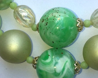 Green vintage beaded necklace - lots of vintage charm