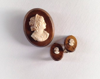 Vintage Wood Cameo Brooch and Clip On Earrings Jewelry Set