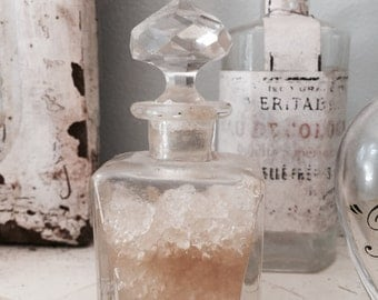 French antique Bottles, 1 smelling salts, 1 apothecary bottle
