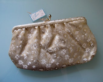 60s Vintage St. Thomas Gold Lame Floral Clutch Purse Off White Cream Kiss Clasp Wedding Evening Bag NEW NOS