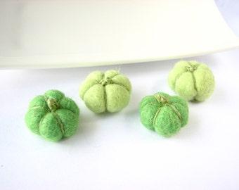 4 tiny wool pumpkins ( green shades). Rustic halloween decor, pumpkin decorating, halloween table decor, halloween decor