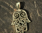 Beautiful and delicate solid gold Hamsa pendant. Gold Hamsa necklace, Gold hand necklace, Delicate gold necklace