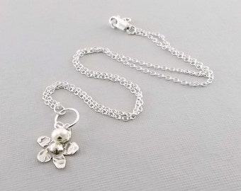 Handmade Sterling Silver Daisy Necklace, Flower Necklace, White Freshwater Pearl Necklace, Pearl Necklace, Flower Necklace, Sterling, N063