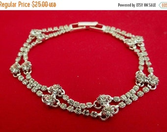 "20% off sale 1950s Vintage silver tone 6.75"" bracelet with sparkly rhinestones in great condition, appears unworn"