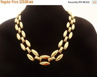 """20% off sale Vintage gold tone 23"""" necklace in great condition, high end and beautifully made"""