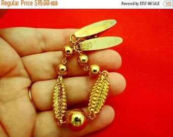 """20% off sale Vintage 1950s gold tone sweater guard 7.5"""" in great condition"""