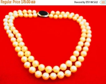 """20% off sale Vintage silver tone and white pearl hand knotted double strand 15.5"""" necklace in great condition"""