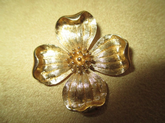 Vintage Costume Jewelry Trifari Flower Brooch