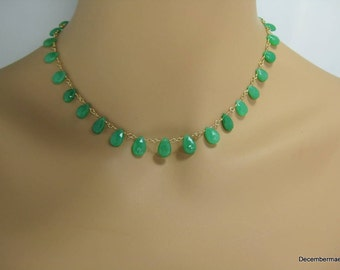 Chrysoprase Briolette Necklace in Gold
