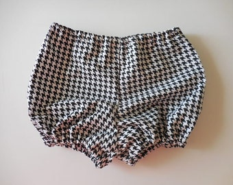 Black and white houndstooth baby bloomers diaper covers