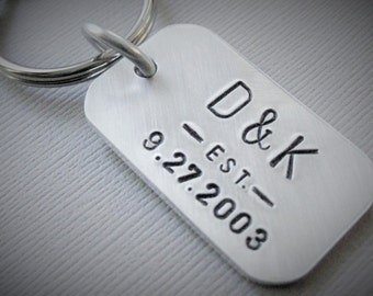 Personalized Keychain with Initials and Date, Available in 2 finishes, Gift for Men & Women, DAD, MOM, Couples, Family, Husbands, Newlyweds