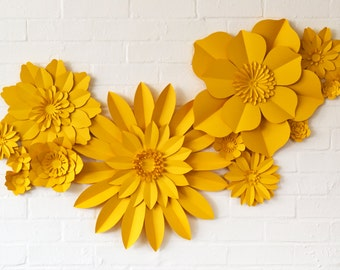 Set of 13 paper flowers for wedding decoration
