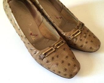Vintage Shoes Women's 60's Florsheim, Tan, Heels, Pumps (Size 6 1/2)