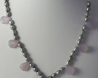 Chalcedony and pearl necklace