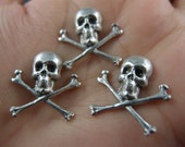 3 pcs oxidized sterling silver plated brass crossed bone skull head gothic finding/stamping/charm-59