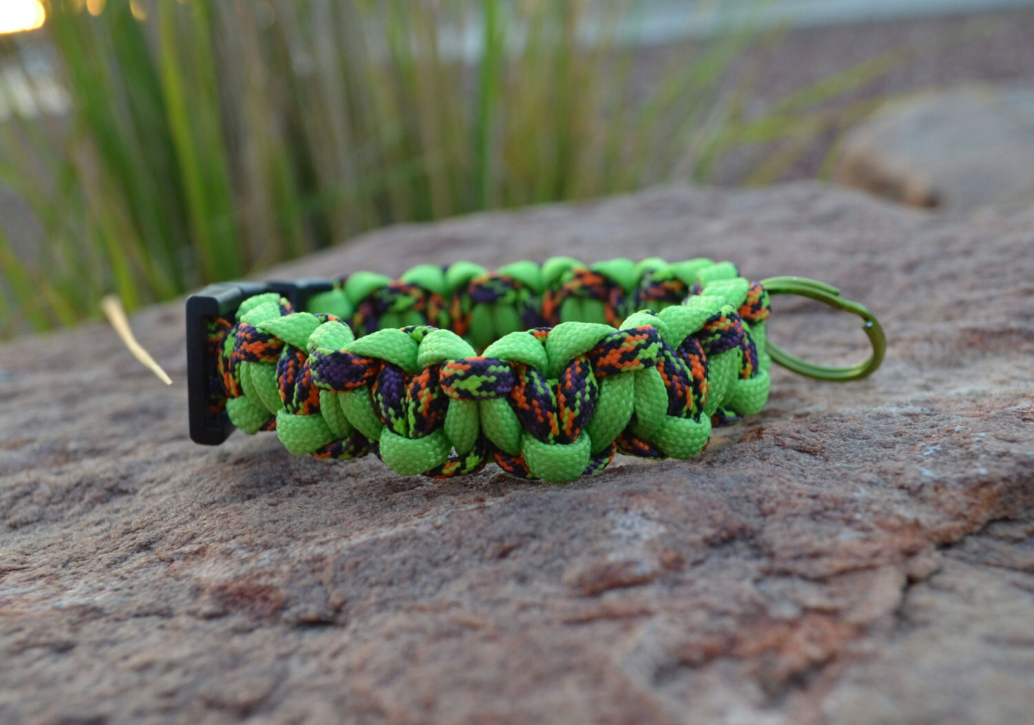 how to make a paracord keyring
