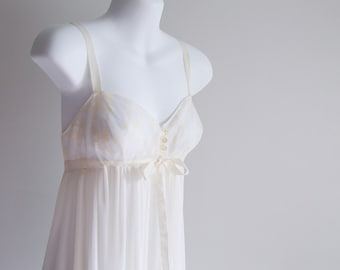 Bridal Negligee, Crystal Pleated, Kayser -Sz S