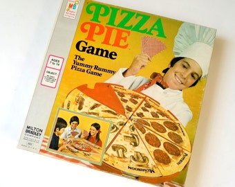 Vintage 1974 Milton Bradley Pizza Pie Game / The Yummy Rummy Vintage Childrens Game