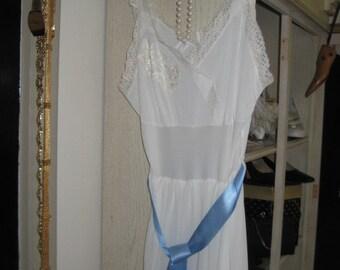 Vintage Slip/Nitie/Lingerie  Romantic Slip Dress