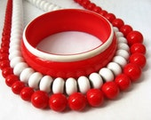 White and Red Necklace, Red Bracelet, White and Red Necklace and Bracelet Set, Red and White Beaded Necklaces Bakelite Bracelet and Necklace