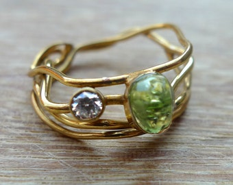 Goldplated silver ring with zirconia and peridot, Peridot ring, Unique goldplated ring,Organic gold ring