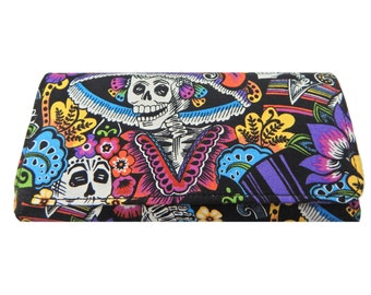 "USA Handmade Bi-fold  Women's Wallet with "" Catrina Chiquita"" Skulls Gothic Pattern ,Cotton, New AND RARE"