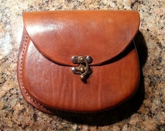 Molded Leather Belt Pouch (round)