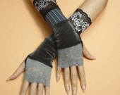 Segmented Fingerless Steampunk Gloves,Black Armwarmers with Thumb Hole Lace and Velvet, Mittens, Noir Gothic, Neo Victorian Dance Armstulpen