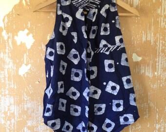 vintage. 80s Blue and White Batik Print Cotton Sleeveless Top  // S to M