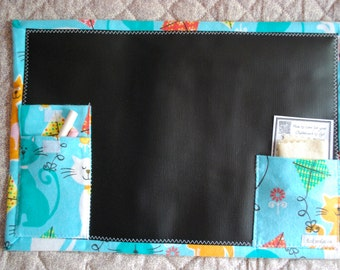 Travel Chalkboard To Go placemat - retro cats flying kites