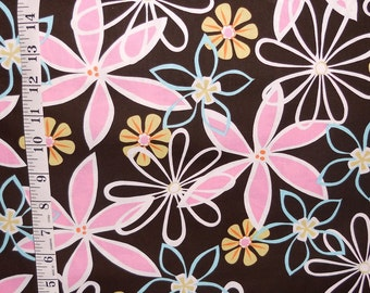 Michael Miller fabric – DAISY DREAMS dark brown background