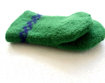 Grass Green Wool Oven Mitt, Universal Fit Oven Mitt, Green Wool Oven Glove, Green Wool Felt Oven Mitt, Green Wool Mitt, Hostess Cook Gift,