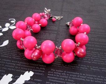 Hot Pink Bracelet -- Pink Swarovski Pearl Bracelet -- Hot Pink Bead Bracelet -- Bright Pink Bracelet -- Neon Pink Bracelet -- Neon Bracelet