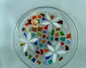Mosaic plate - Mosaic lover gift - daisy plate - Mosaic gift - plate candle gift - stained glass gift - stained glass plate - glass lover