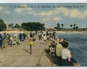 Holiday Crowd Pier Clearwater Beach Florida 1956 linen postcard