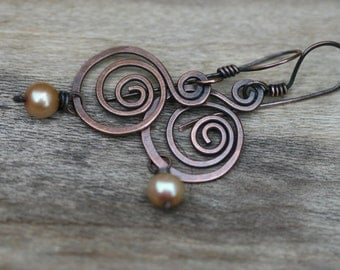 Rustic Solid Copper Swirled Dangle and Fresh Water Pearl beads earrings N.4 - simplistic  artisan everyday wear , copper swirls , bohemian
