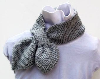 Knitted Ascot Scarf in gray