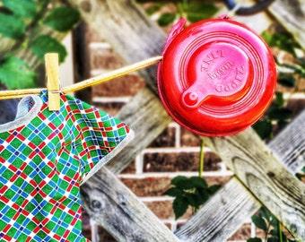 Vintage Red Retractable Clothes Line Plastic Zippo Laundry Room Clothesline
