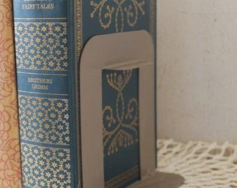 Vintage Industrial Metal Book Ends // Schoolhouse Book Ends // Vintage Office