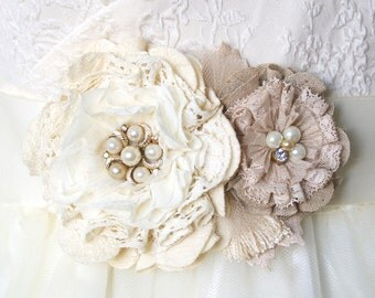 Pearl Wedding Dress Sash, Vintage Wedding, Lace Flowers, Rustic Wedding Belt, Fabric Flower Pin, Wedding Brooch, Bridal Sash, Bridal Brooch