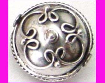 2pcs Sterling Silver Round Filigree flat coin bali Bead 12.5mm x 12mm x 10mm Victorian b131