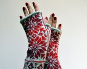 Nordic Fingerless Gloves - Wool Gray Red Fingerless Gloves - Scandinavian Gloves with Stars - Knit Fingerless Gloves - Black Friday nO 132.