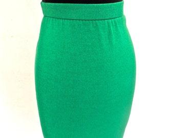vintage St. John skirt - 1970s-80s kelly green knit pencil skirt