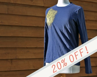 GRAPHIC TEE - Gold Marrow on Navy