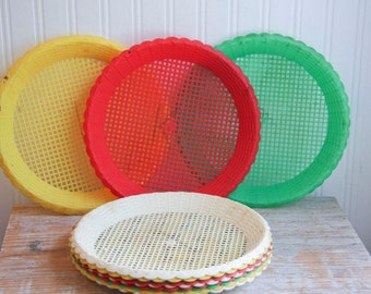 Retro Paper Plate Holders, Vintage Picnic Plates, Camping Dinnerware, Bright Colors, Glamping 1960s, Mid Century BBQ, Red Yellow Green