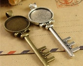 20 Pendant trays- Alloy Key Pendant W/ 18mm Round Bezel Setting Wholesale, Antique Bronze/ Antique Silver available- HA3798