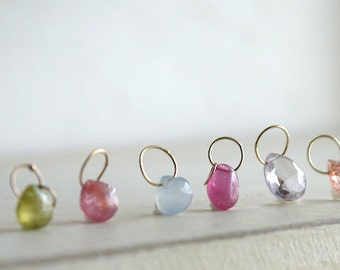Gems pendant nacklace in gold