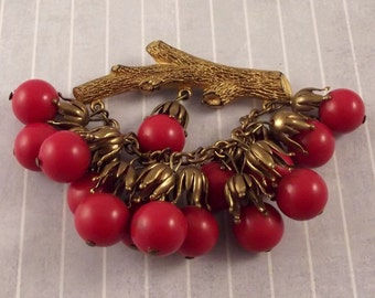 Vintage Red Berries Dangle Pin Brooch Plastic Gold Tone Painted Branch Fall Autumn Winter Jewelry Large Festoon Jacket Sweater Coat Brooch