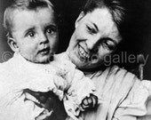 Vintage Photo, Mother and Child, Black & White Photo, Antique Photo, Found Photo, Edwardian Era, Vernacular Photo, Americana 133215-Ph-3-006